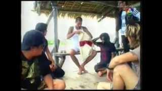 Repeat youtube video Hello วันหยุด ติดเกาะกับ CLASH