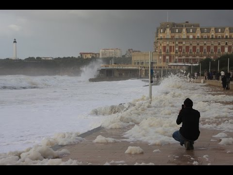 Huge Waves in Biarritz !