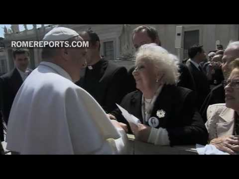 Pope Francis welcomes Argentina's Grandmothers of Plaza de Mayo