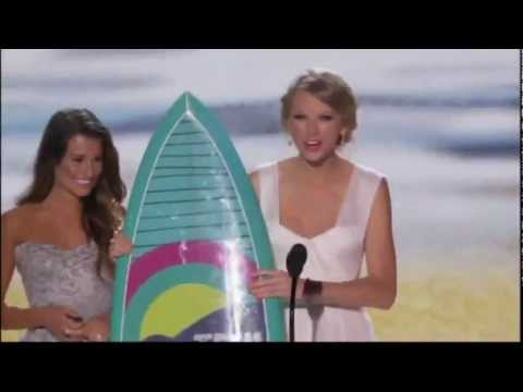 Taylor Swift wins Choice Female Artist at TCA 2012 [HD]