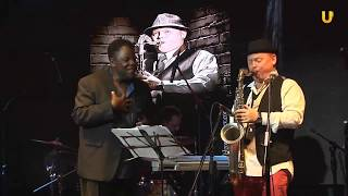 "Oleg Kireyev and Roy Young sing Nat King Cole ""Love"""
