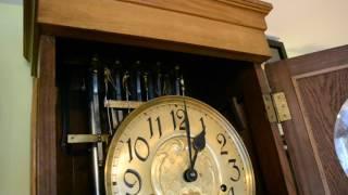 Repeat youtube video Röhren-Standuhr (Tubular Bells)
