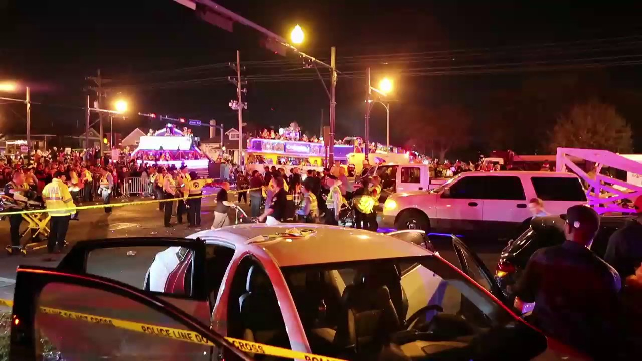 Watch scene where car plowed into Endymion parade crowd in New Orleans