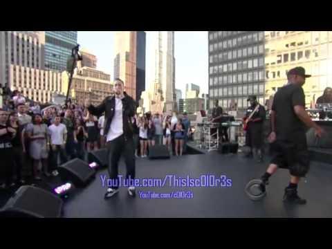 Jay-Z Ft. Eminem - Renegade Live (David Letterman)