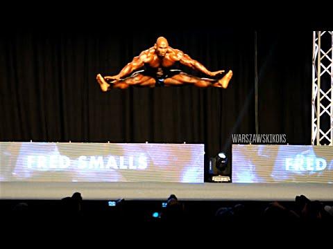 Fred Smalls - Dancing Bodybuilder - 2014 Prague Pro posing