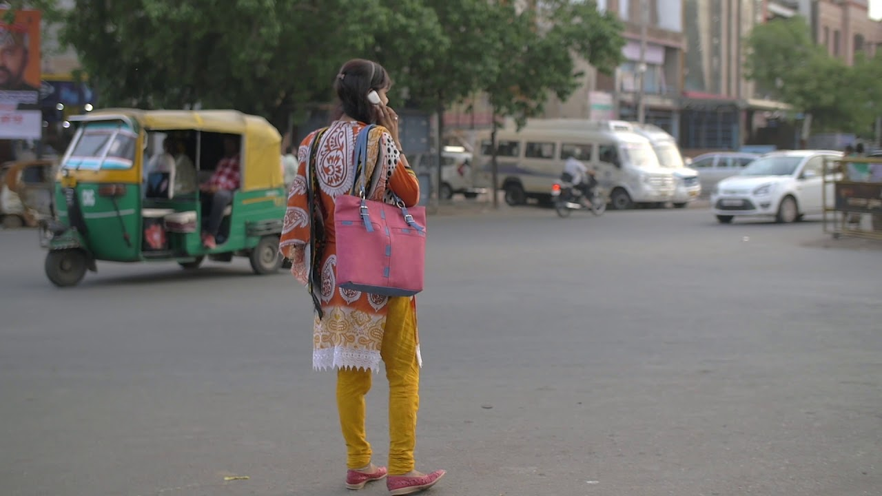 DON'T Use Phone While Walking On Road, See what happened to INDIAN Women -  YouTube