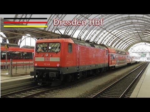 Treinen op station Dresden Hbf #1 (D)