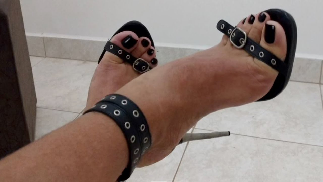 Long red 👣 toenails and high heels (part 2 of 3) - Lora