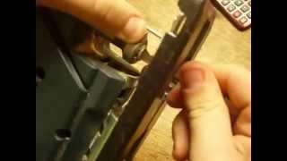 видео Как вставить пилку в лобзик: установка или замена пильного полотна