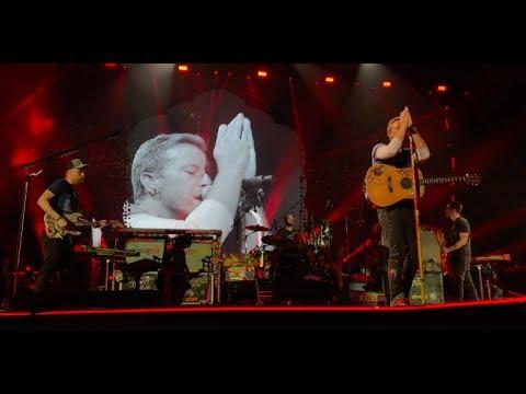 Chris Martin singing Stromae during God Put A Smile Upon Your Face - Lyon, June 7