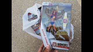 $7 WWE ELITE Figures & Sasha Banks Walgreens Exclusive Toy Hunt!