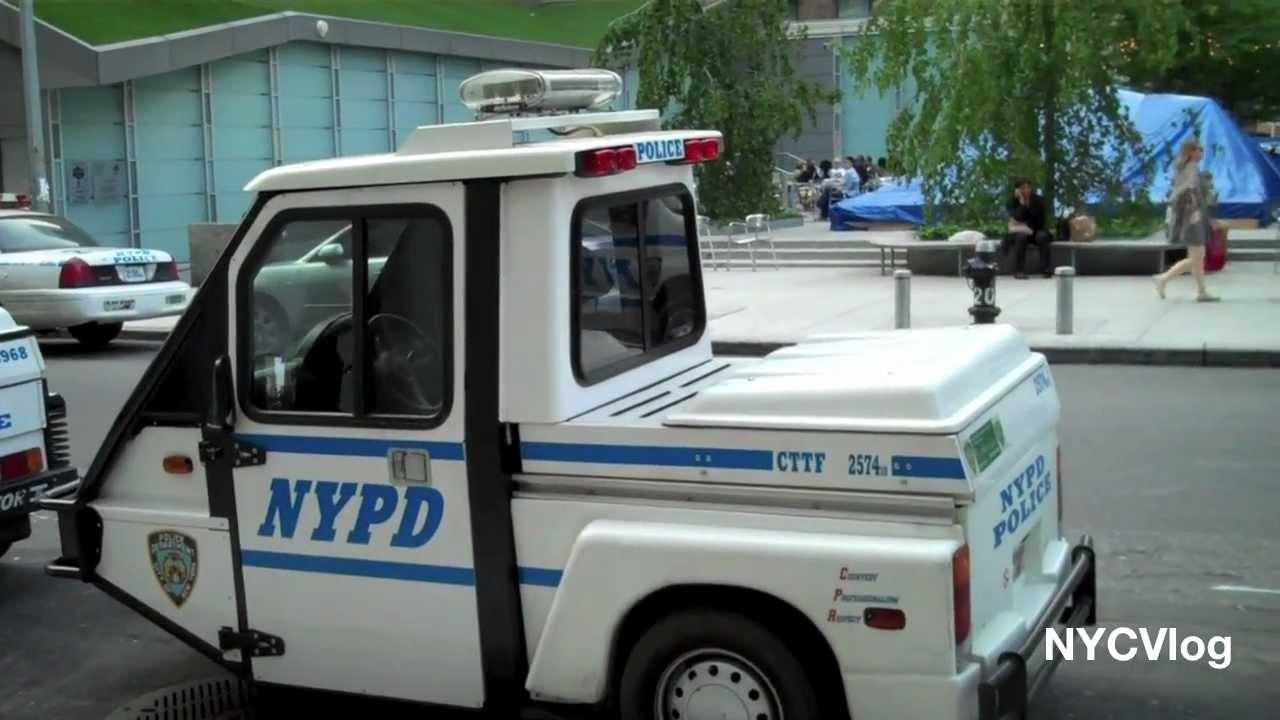 nypd interceptor 3 scooter new york city police 3 wheel cruiser youtube. Black Bedroom Furniture Sets. Home Design Ideas