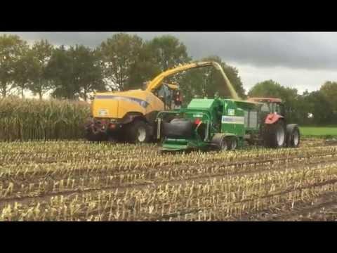 AGRONIC MR 1210 MultiBaler  Baling maize in field