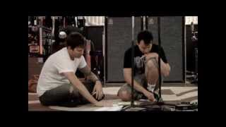 Tom Delonge playing Blink-182 and Boxcar Racer Songs Acoustic (Rare)