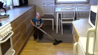Alex Poikamme ( 1 vuotiaana ) 8 video.