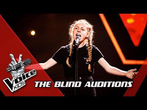 Chiana - 'A Million Dreams' | Blind Auditions | The Voice Kids | VTM