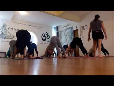 Ashtanga Vinyasa Yoga / Clase Guiada
