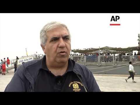 Spanish ship carrying 578 migrants docks in Sicily