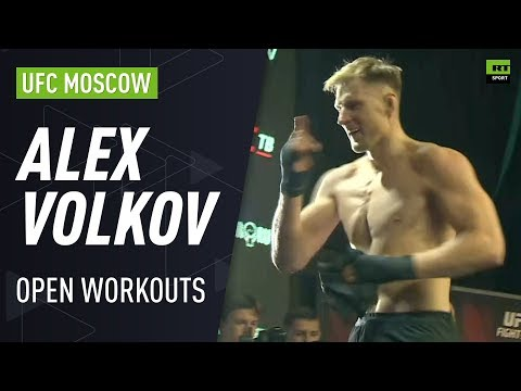 Alexander Volkov delights fans at UFC Moscow Open Workouts