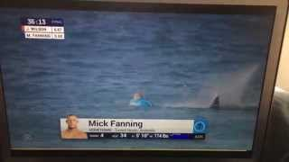 mick fanning shark attack finals j bay south afrika wsl 2015