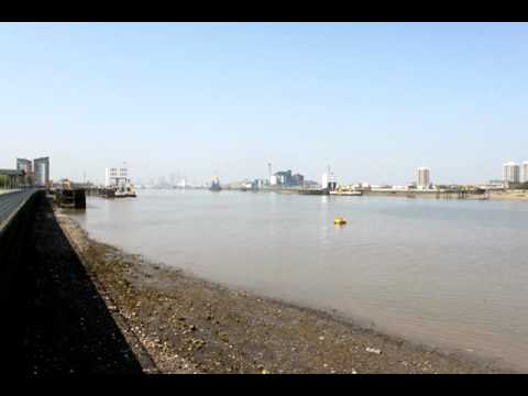 Thames and Woolwich ferry timelapse video