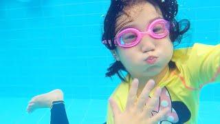 Boram et ses amis s'amusent dans un parc aquatique