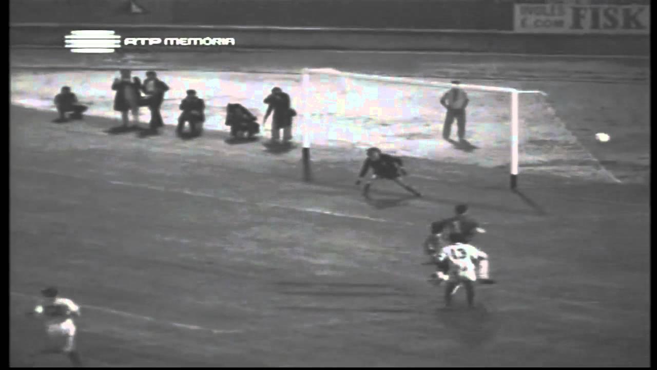 Peres (Sporting) no Portugal - 4 x Chile - 1 da Minicopa 1972 - Fase Grupos