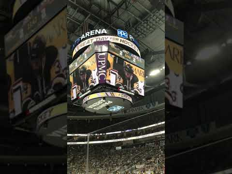 Tom Kuhnhackl Penguins Tribute and standing ovation
