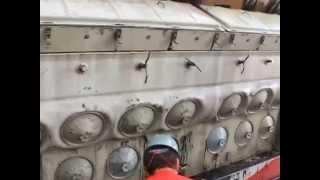 Locomotiva com Motor V16-GM em Manutenção - Garagem ALL