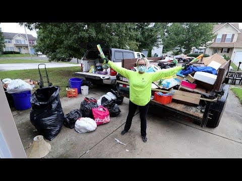 HOARDER HOUSE FORECLOSURE TRASH OUT! Can't Believe We're Cleaning Out This Property?!?!