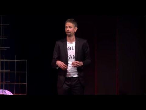Cambia il tuo umore per superare le difficoltà | Terenzio Traisci | TEDxBergamo