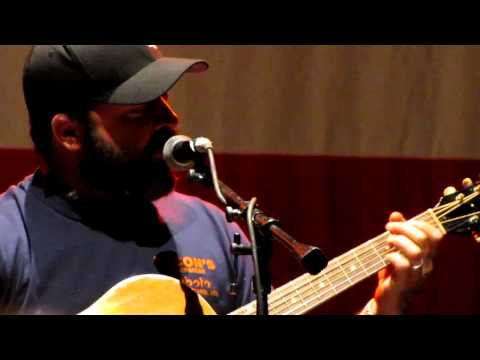 Aaron Lewis of Staind - Something To Remind You (live)