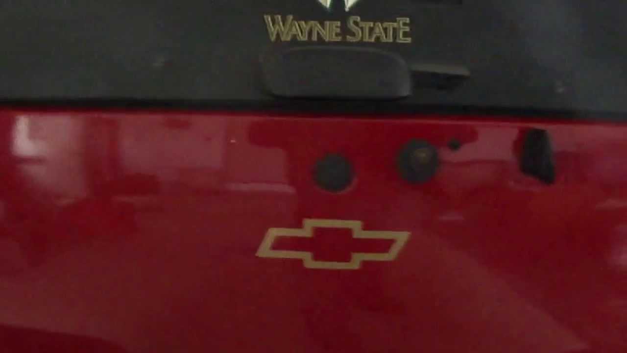 hight resolution of 2001 chevy blazer gmc jimmy lift gate repair part 1