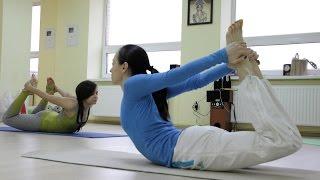 Почему йога, а не фитнес(Существует много видов спорта, танцы, аэробика, фитнес, но все больше и больше людей выбирают йогу. Что дает..., 2015-05-01T17:56:13.000Z)