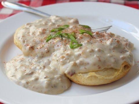 Country Gravy - Creamy Bacon Sausage Gravy Recipe