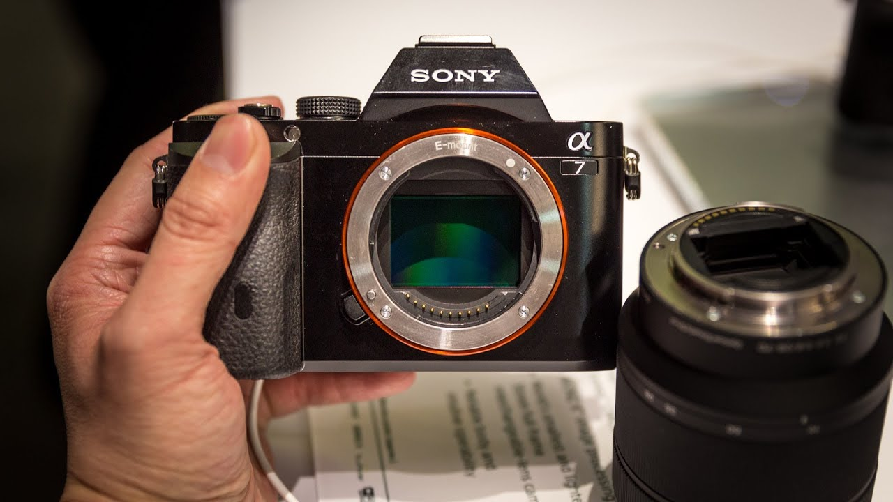 CES 2014: Sony\'s Full-Frame Compact Cameras - YouTube