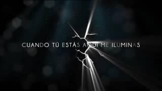 Flashlight (spanish version) - Kevin Karla & La Banda (Lyric Video).mp4