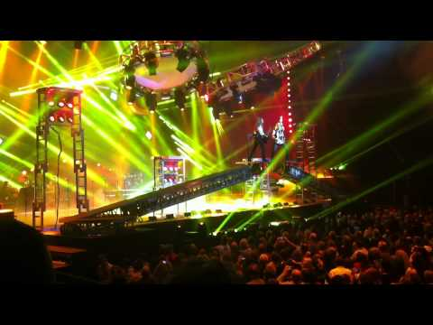 Trans-Siberian Orchestra - Christmas Eve/Sarajevo (Carol Of The Bells) - Live Seattle 2012