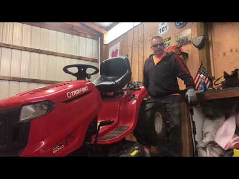 Matty G©️ How to Install Deck Drive Belt in less than two minutes 2015 Troy  Bilt Bronco