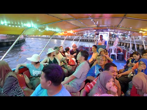 Malacca River Cruise : A Ride Through History