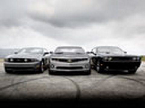 Camaro Fights Mustang And Challenger Muscle Car Comparison Edmunds