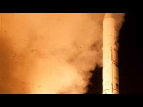 Frog Photobombs NASA LADEE Rocket Launch To The Moon!