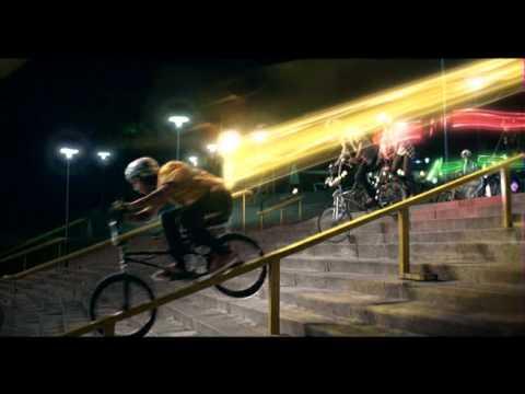 DiGi Broadband Commercial: Bicycles (English)