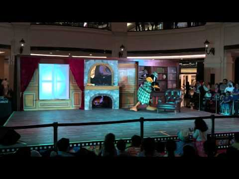 Bugs Bunny, Duffy duck and Creature at Mall of the Emirates for DSS event 2015