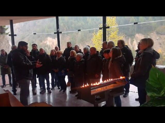 Il Coro Alpino Sestese canta signore delle cime per le vittime del Vajont