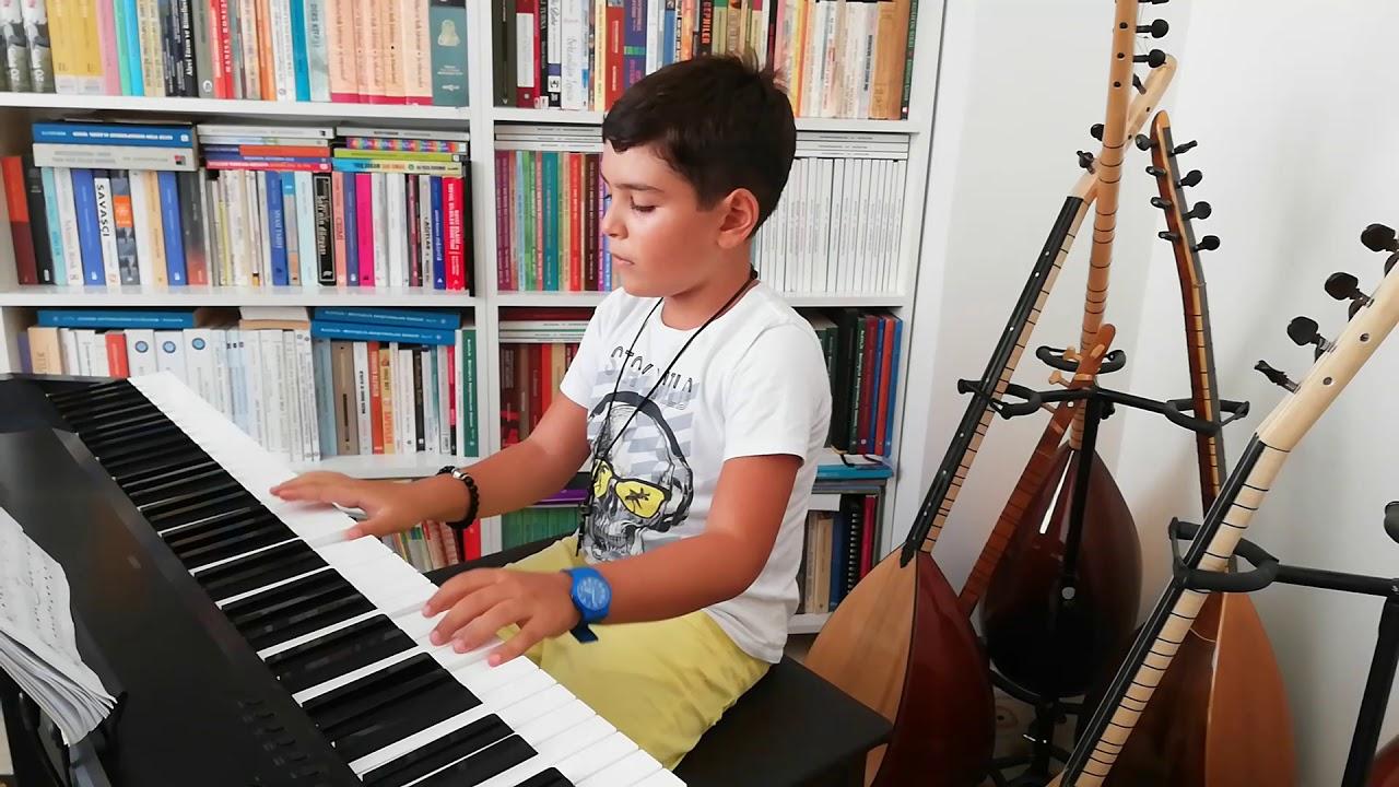Barış Manço Anlıyorsun Değil mi? Piyano (Kayra Akın)