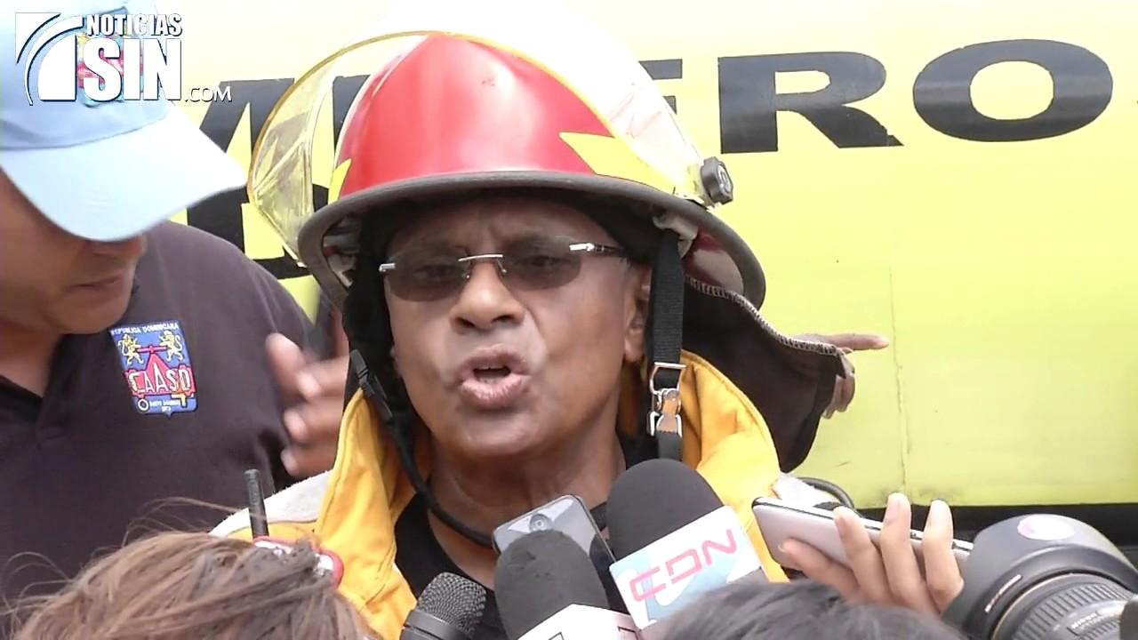 Fuego afecta instalaciones de empresa de papelería en avenida República de Colombia