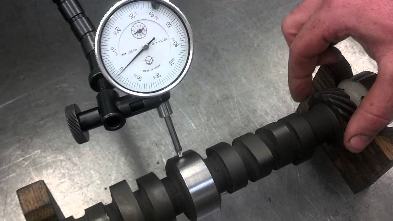 Measuring a camshaft