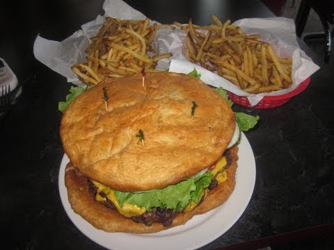 5LB GOLIATH BURGER CHALLENGE IN NEBRASKA!!