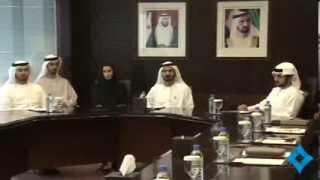 محمد بن راشد يترأس جلسة عصف ذهني مع فريق عمله بمكتبه بأبراج الإمارات